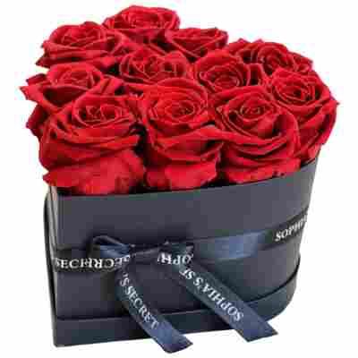 Rosenbox 'Herz' schwarz mit 10-12 haltbaren roten Rosen