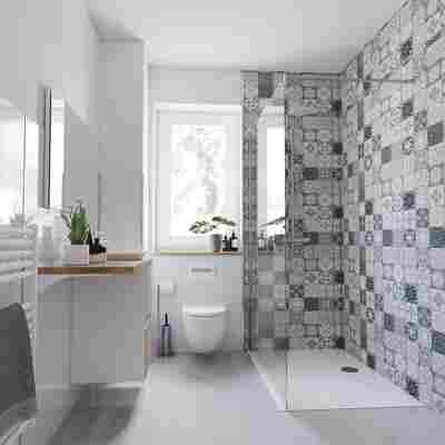 Duschrückwand Fliesenoptik mediterranes Design grau/weiß/beige 150 x 255 cm